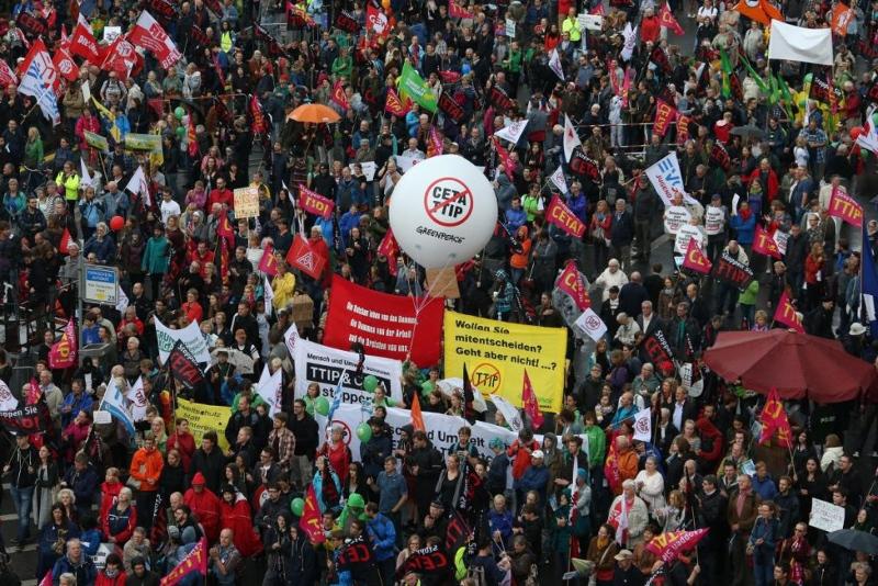 protestas prieš CETA ir TTIP Berlyne