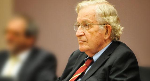 """Noam Chomsky: """"Socializmas turtingiesiems, Kapitalizmas vargšams"""""""