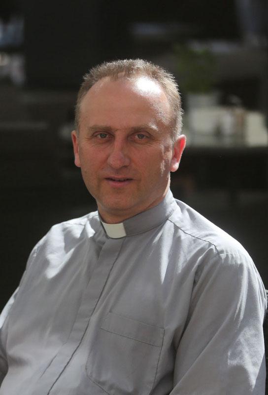 Klaipėdos Marijos Taikos Karalienės bažnyčios kunigas Vilius Viktoravičius