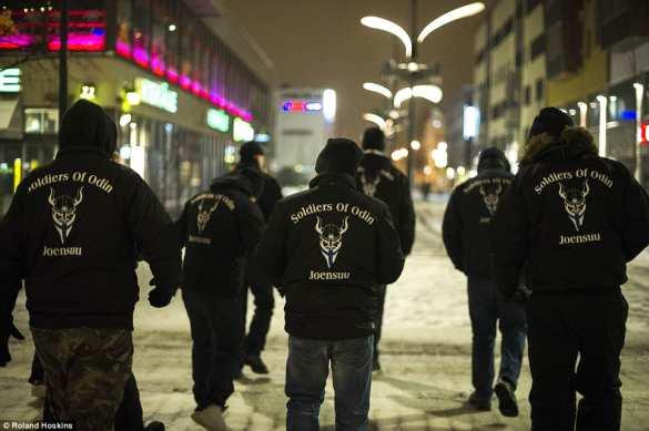 naciai gatvėse