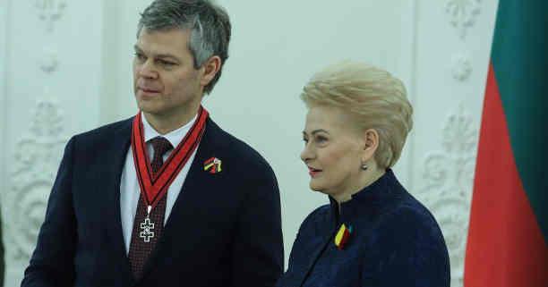 Darius Jauniškis, Dalia Grybauskaitė