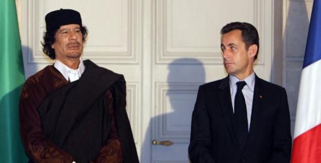 Muammaras Kaddafis ir Nikolas Sarkozy
