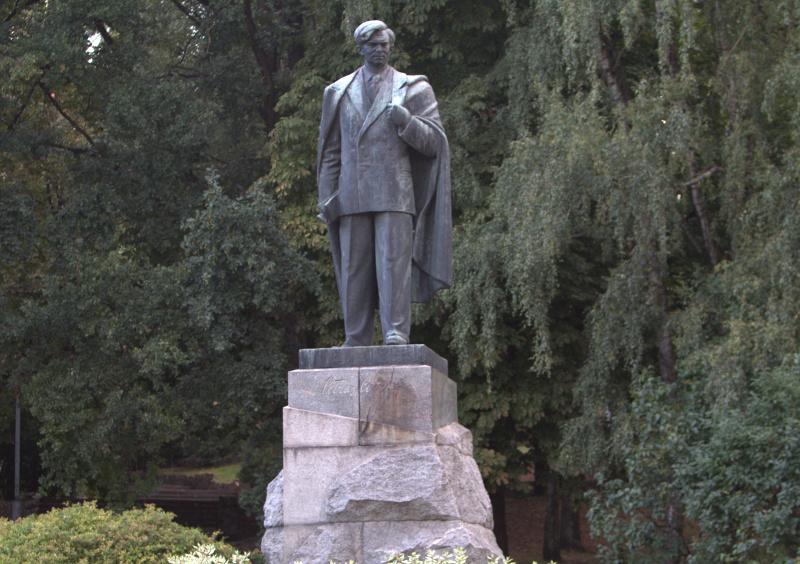 Petras Cvirka. Paminklas Vilniuje