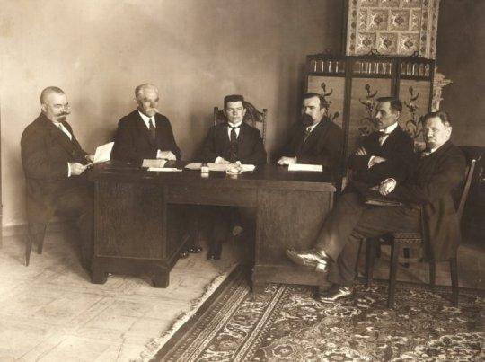 Pirmoji Lietuvos vyriausybė